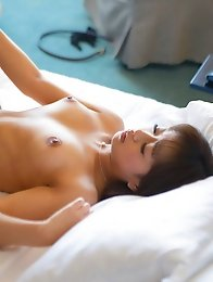 Sexy and horny Japanese av idol Mamika gives amazing blowjob to her partner